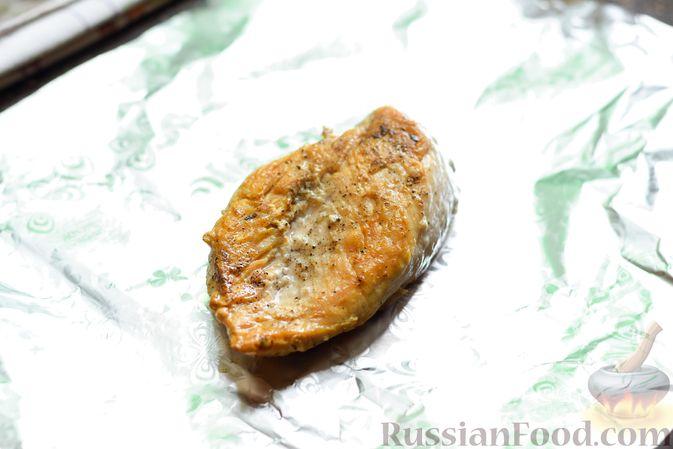 Фото приготовления рецепта: Рисовый суп со сливками, куриным филе и шпинатом - шаг №9