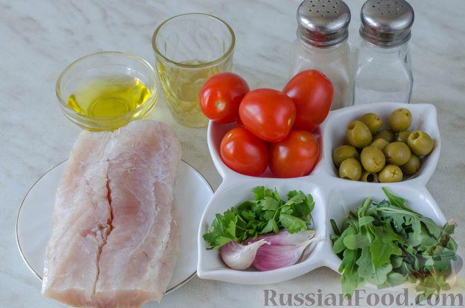 """Фото приготовления рецепта: Слоёный салат """"Оливье"""" с курицей - шаг №6"""