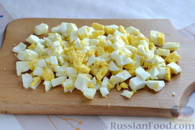 Фото приготовления рецепта: Картофельные зразы с морковью и варёными яйцами - шаг №6