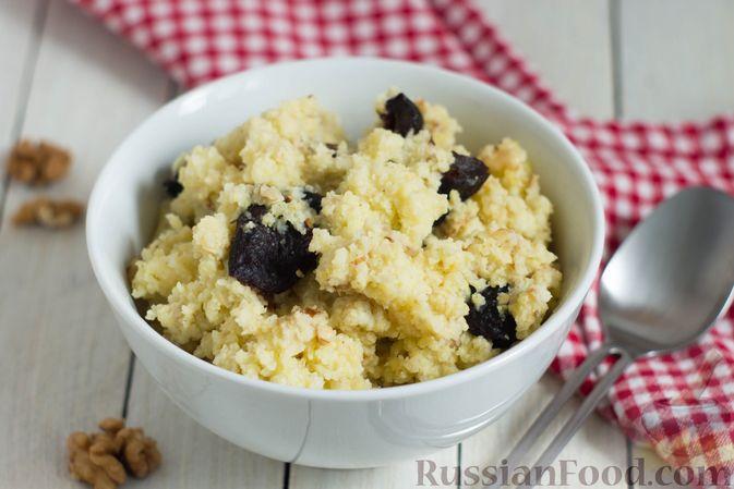 Фото к рецепту: Пшённая каша на воде, с орехами и черносливом