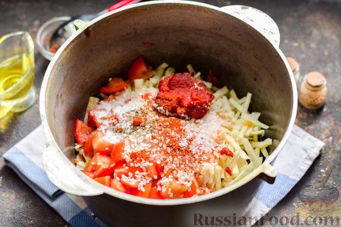 Фото приготовления рецепта: Суп с фаршем, капустой и рисом - шаг №9