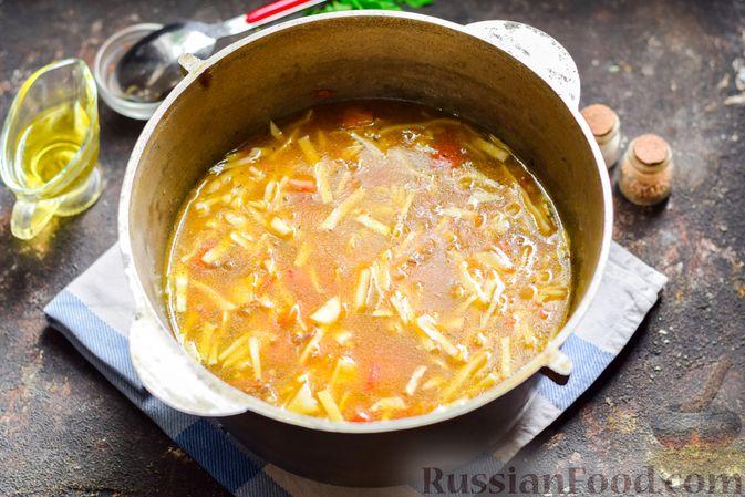Фото приготовления рецепта: Суп с фаршем, капустой и рисом - шаг №11