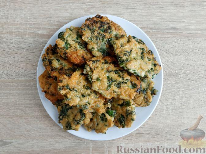 Фото приготовления рецепта: Рубленые куриные котлеты со шпинатом и яичными белками - шаг №10