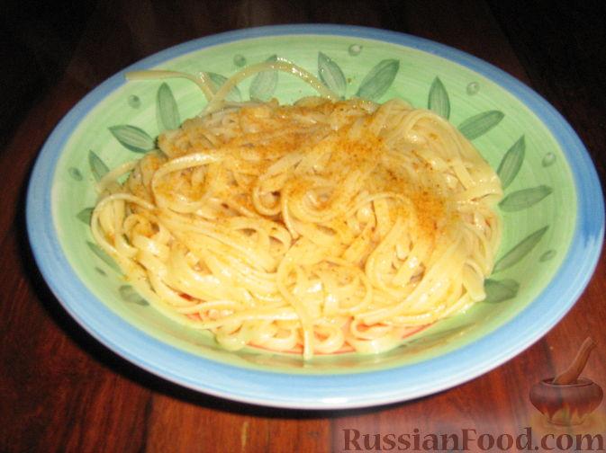 Фото приготовления рецепта: Говядина, тушенная в томатном соусе, с апельсинами - шаг №5