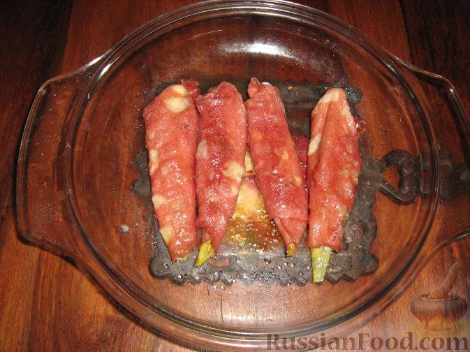 Рецепт Рулетики из мортаделлы (вареной колбасы) с сыром и эндивием