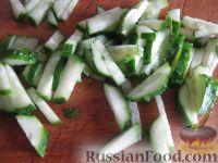 """Фото приготовления рецепта: Салат """"Козел в огороде"""" - шаг №4"""