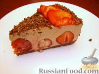 Фото к рецепту: Творожный торт с шоколадом и клубникой