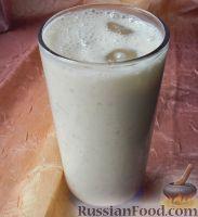 Фото к рецепту: Ласси с бананом и мускатным орехом