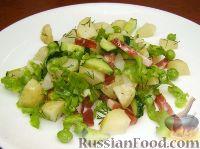 Фото к рецепту: Летний салат с колбасой
