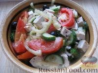 Фото к рецепту: Постный греческий салат с сыром тофу