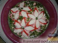 Фото к рецепту: Салат с помидорами и крабовыми палочками