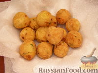 Фото приготовления рецепта: Гороховые фрикадельки во фритюре - шаг №8