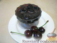 Фото к рецепту: Вишневое варенье с косточками