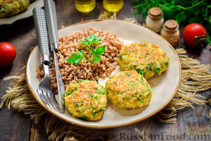 Фото к рецепту: Рыбные котлеты со шпинатом и зелёным горошком