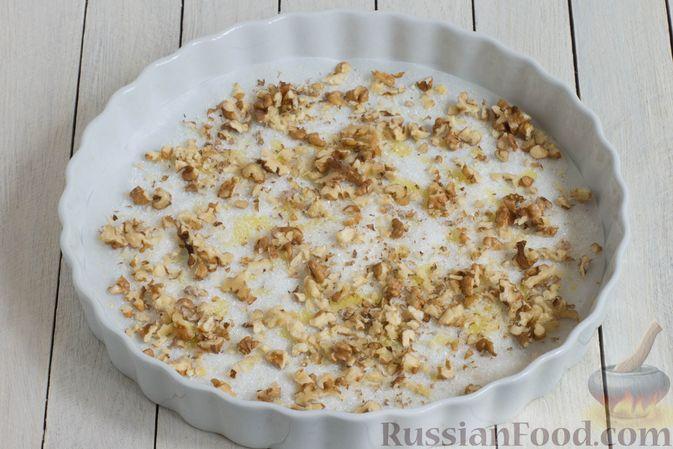 Фото приготовления рецепта: Постный яблочный пирог-перевёртыш - шаг №7