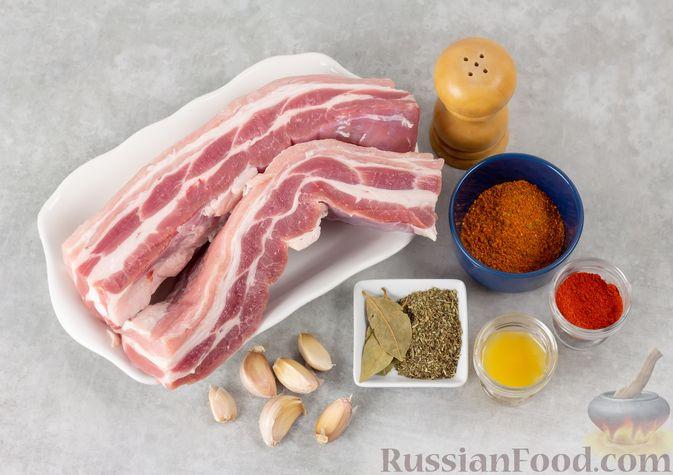 Фото приготовления рецепта: Свиная грудинка, запечённая в фольге, в медовой глазури - шаг №1