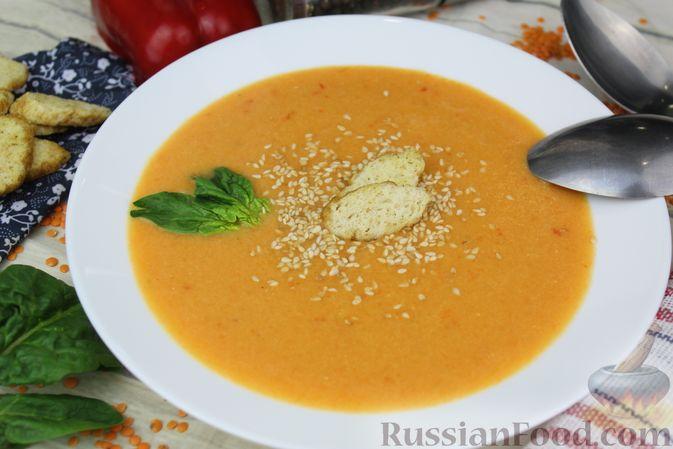 Фото приготовления рецепта: Чечевичный суп-пюре на рыбном бульоне, с рисом и сладким перцем - шаг №18