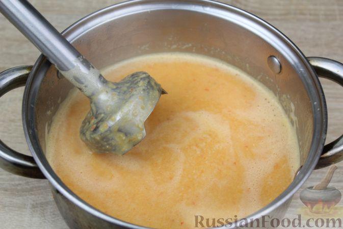 Фото приготовления рецепта: Чечевичный суп-пюре на рыбном бульоне, с рисом и сладким перцем - шаг №16