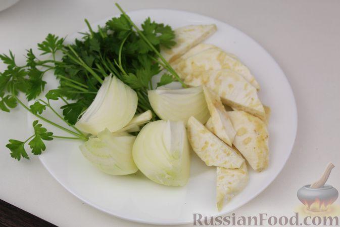 Фото приготовления рецепта: Чечевичный суп-пюре на рыбном бульоне, с рисом и сладким перцем - шаг №2