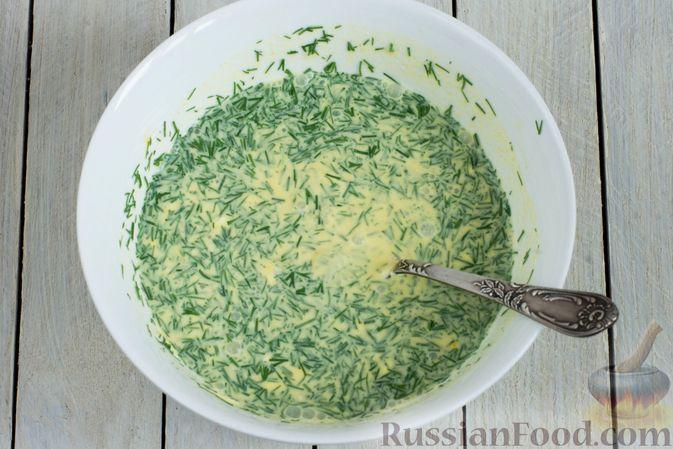 Фото приготовления рецепта: Картошка, тушенная в сметане с зеленью - шаг №6