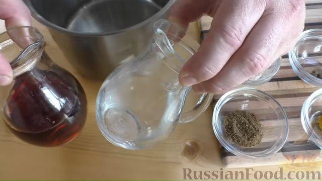 Фото приготовления рецепта: Быстрые маринованные огурцы кружочками - шаг №2