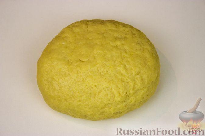Фото приготовления рецепта: Пирог-ватрушка с творогом (из песочного теста) - шаг №4
