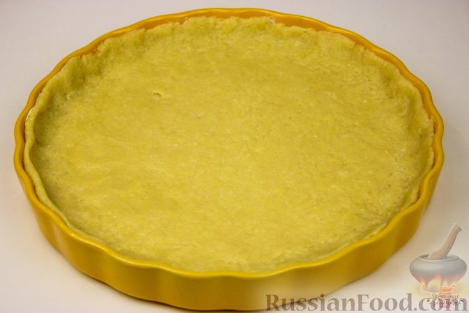 Фото приготовления рецепта: Пирог-ватрушка с творогом (из песочного теста) - шаг №10