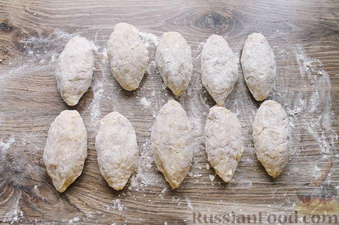 Фото приготовления рецепта: Рубленые рыбные котлеты с картошкой и сыром - шаг №12