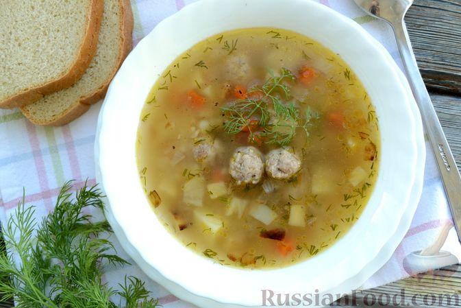 Фото приготовления рецепта: Суп с овсяными хлопьями и фрикадельками - шаг №15