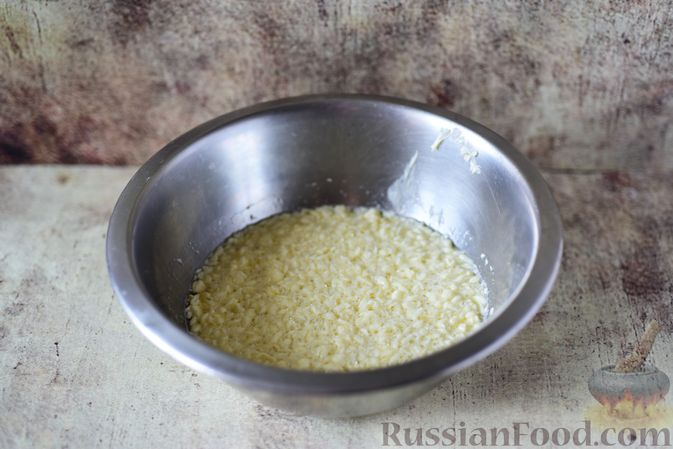 """Фото приготовления рецепта: Сдобные булочки """"Шишки"""" - шаг №6"""