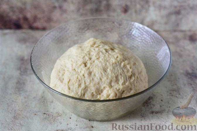 """Фото приготовления рецепта: Сдобные булочки """"Шишки"""" - шаг №10"""