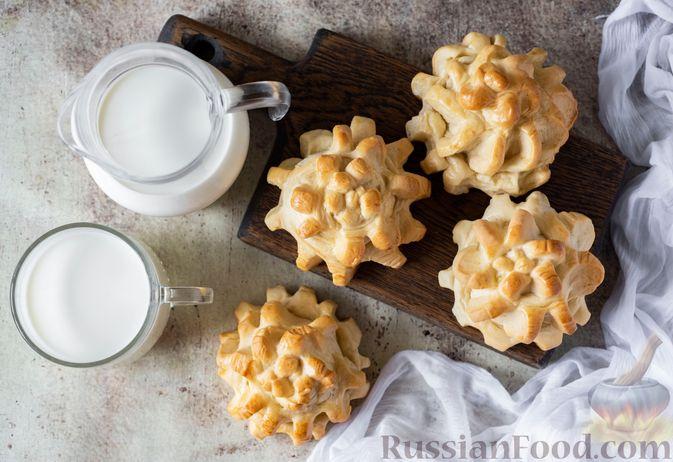 """Фото приготовления рецепта: Сдобные булочки """"Шишки"""" - шаг №19"""