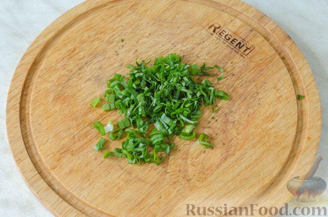 Фото приготовления рецепта: Пицца на корже из цветной капусты - шаг №12