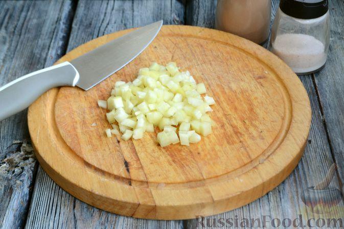 Фото приготовления рецепта: Запеканка из кабачков с куриным фаршем и болгарским перцем - шаг №5