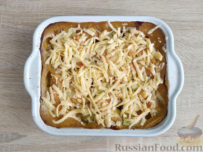 Фото приготовления рецепта: Куриное филе, запечённое с кабачком, в соево-сметанном соусе - шаг №12