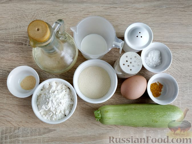 Фото приготовления рецепта: Кексики с кабачками и манкой - шаг №1