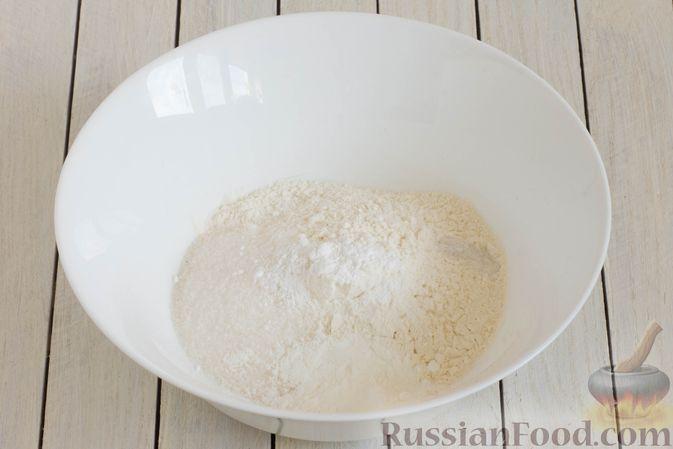 Фото приготовления рецепта: Панкейки без яиц (с крахмалом) - шаг №2