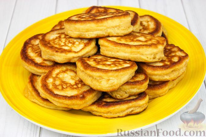 Фото приготовления рецепта: Оладьи на ряженке - шаг №6