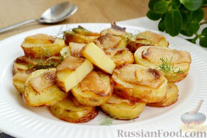 Фото приготовления рецепта: Молодой картофель, запечённый с салом - шаг №8
