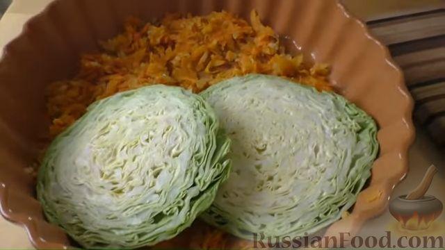 Фото приготовления рецепта: Капустная запеканка с котлетами из мясного фарша и риса, или Ленивые голубцы - шаг №5