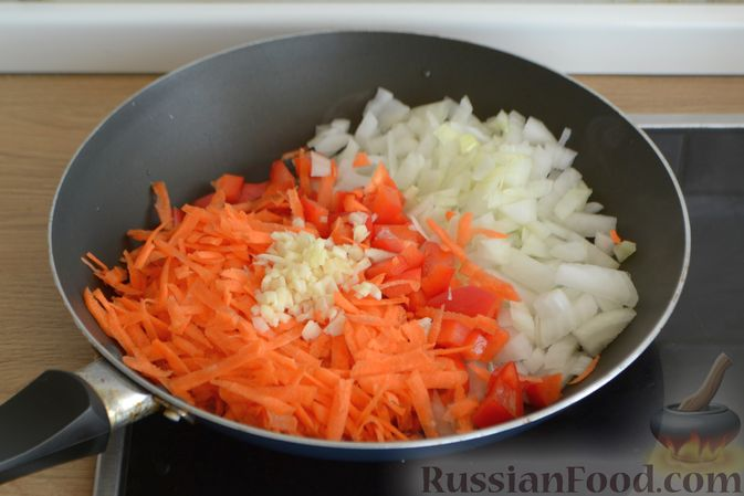 Фото приготовления рецепта: Чечевичный суп с говядиной и овощами - шаг №6