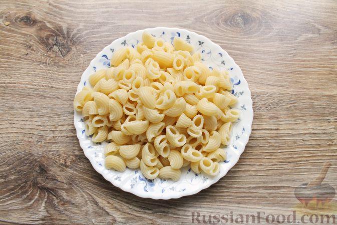 Фото приготовления рецепта: Тефтели из мясного фарша и макарон (в духовке) - шаг №2