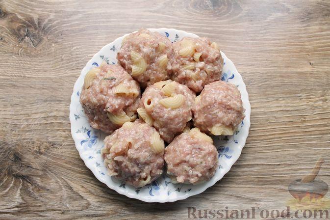 Фото приготовления рецепта: Тефтели из мясного фарша и макарон (в духовке) - шаг №13