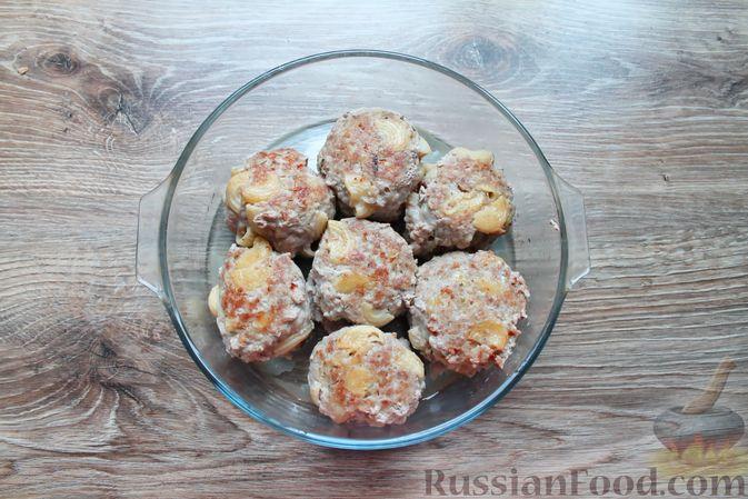 Фото приготовления рецепта: Тефтели из мясного фарша и макарон (в духовке) - шаг №15