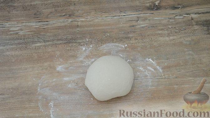 Фото приготовления рецепта: Чебуреки из заварного теста - шаг №3