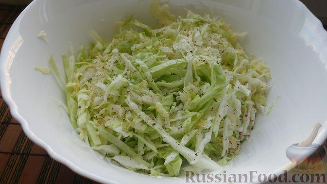 Фото приготовления рецепта: Овощной салат с икрой минтая - шаг №6
