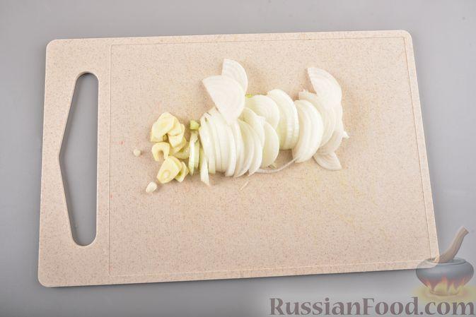Фото приготовления рецепта: Фунчоза с кабачком и курицей в соевом соусе - шаг №4