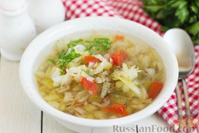 Фото к рецепту: Суп с капустой, сельдереем, сладким перцем и помидором