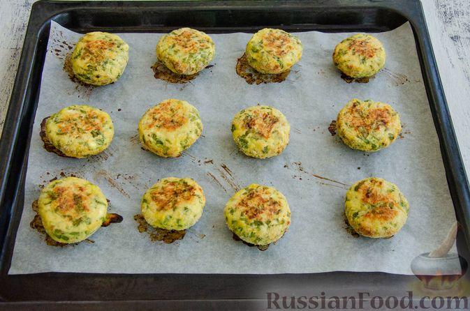 Фото приготовления рецепта: Куриные котлеты с творогом и шпинатом, в духовке - шаг №7
