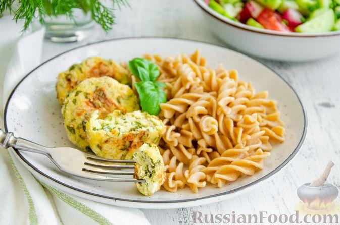 Фото приготовления рецепта: Куриные котлеты с творогом и шпинатом, в духовке - шаг №9